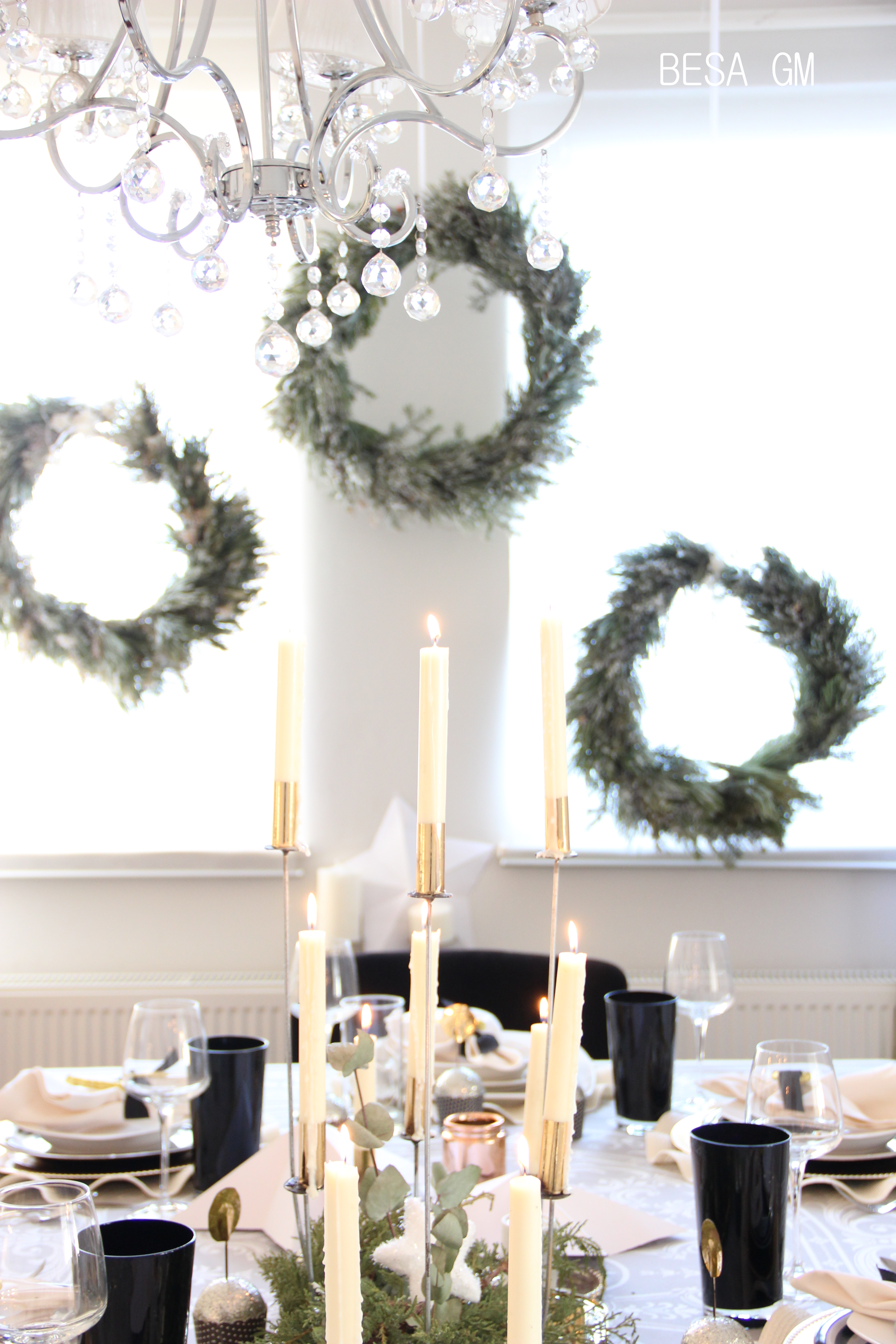 December 2016 besa gm flocked wreaths are diy too i just looooove their look they added such a classy and dreamy look to the whole table set up adding them in clusters solutioingenieria Gallery